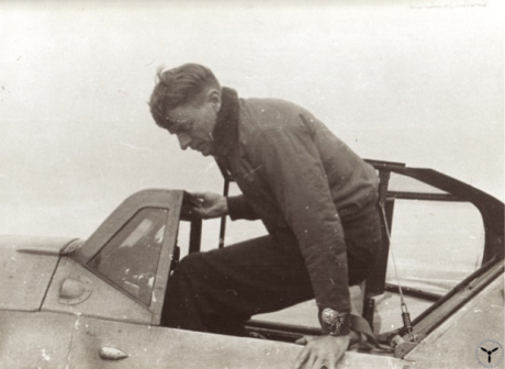 Malmstrom beim Einstieg in eine BF 109